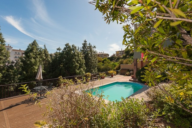 Originally listed for 795,000€ and recently reduced to 695,000€. This fantastic villa is situated in,Spain