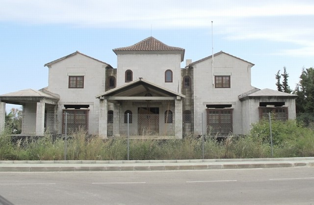 Impressive west facing villa which is under construction in one of the best urbanisations within Nue,Spain
