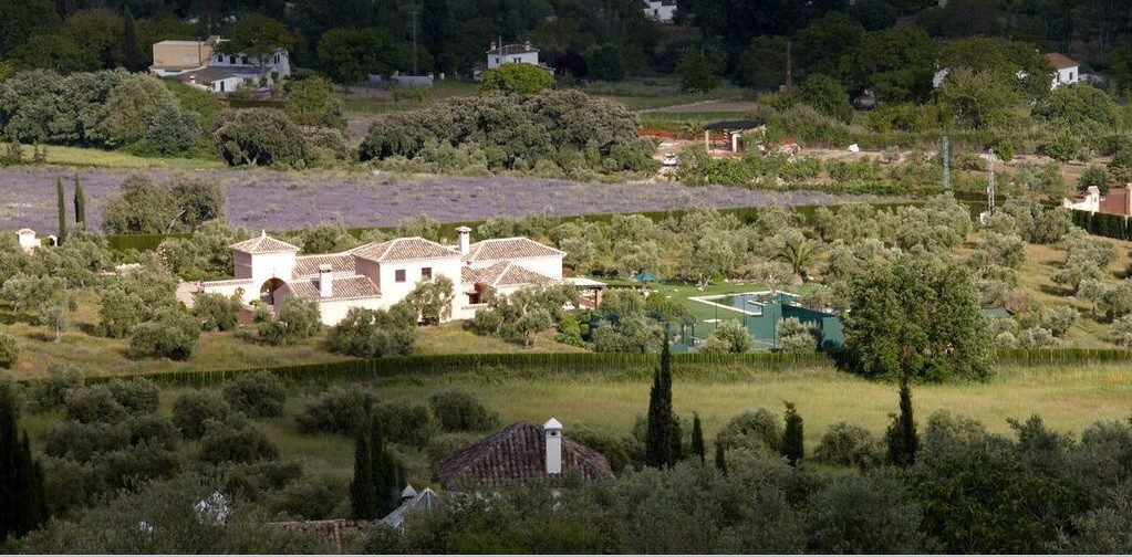 """This property has been lowered farmhouse € 500,000 !!! Fantastic high standing, its privileged, Spain"