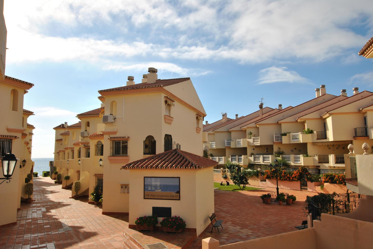This nice duplex is located in first beach-line.  The property is distributed in: large living and d,Spain