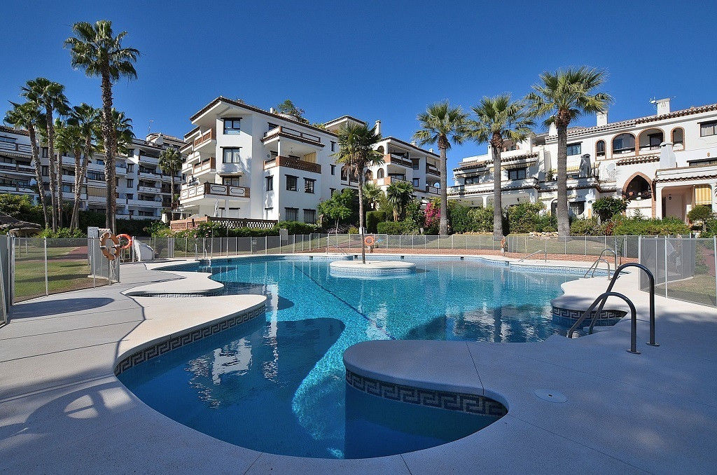 FANTASTIC APARTMENT WITH SEA VIEWS AT ONLY 250 MTS FROM THE BEACH located in Calahonda (Mijas Costa),Spain