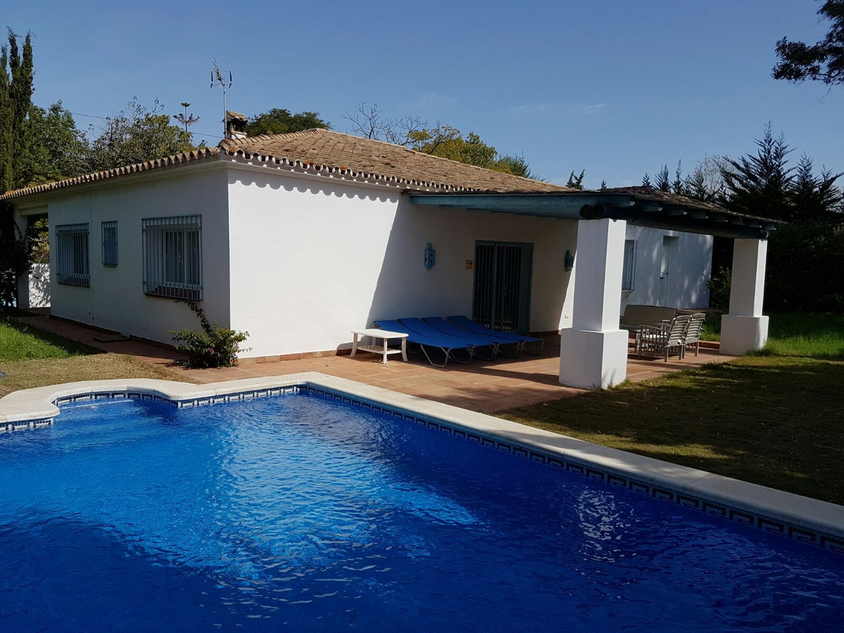 Fantastic beachside villa in Artola. It consists of 5 bedrooms, 3 bathrooms, fully fitted and spacio, Spain