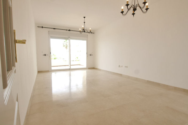 Beautiful apartment with spectacular views of the sea and mountains, in very good condition, consist, Spain