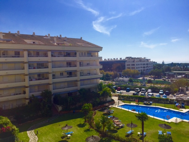 BARGAIN APARTMENT GOLDEN MILE In area of the Golden Mile, 7 minutes driving to Puerto Banus. Close t, Spain