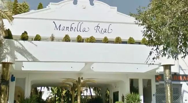 2bedroom/2bathroom apartment located in 24hr guarded urbanization on the Golden Mile in Marbella.  F, Spain