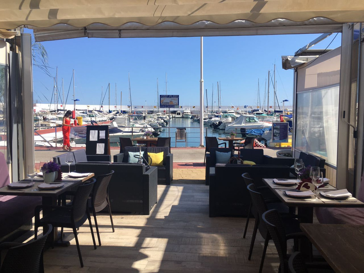 Frontline Martina Restaurant in the Marbella's Port, an excellent opportunity to acquire the lea, Spain