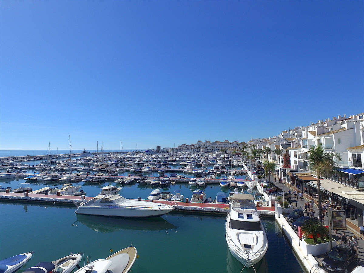 Apartment for sale and for rent in Puerto, Marbella - Puerto Banus, with 2 bedrooms, 2 bathrooms, 1 ,Spain