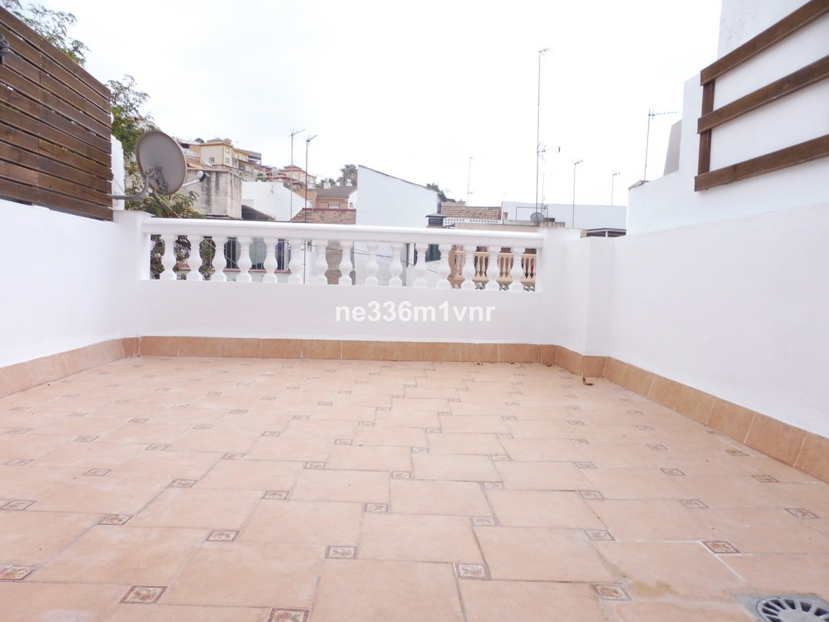 SPECTACULAR TOWNHOUSE 400 METERS FROM THE BEACH !!  The property consists of 104 meters on 2 floors,, Spain