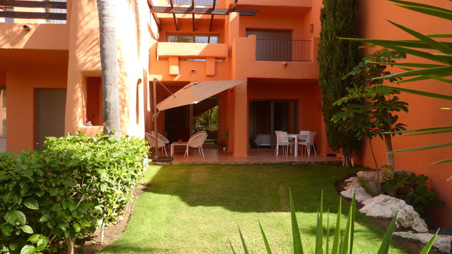 We are pleased to offer this stunning very high standard 2 bedroom, 2 bathroom apartment located on , Spain