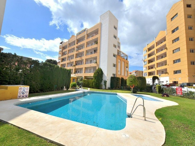 GREAT APARTMENT IN ARROYO DE LA MIEL. This apartment offers a large south-west facing terrace of 23 , Spain