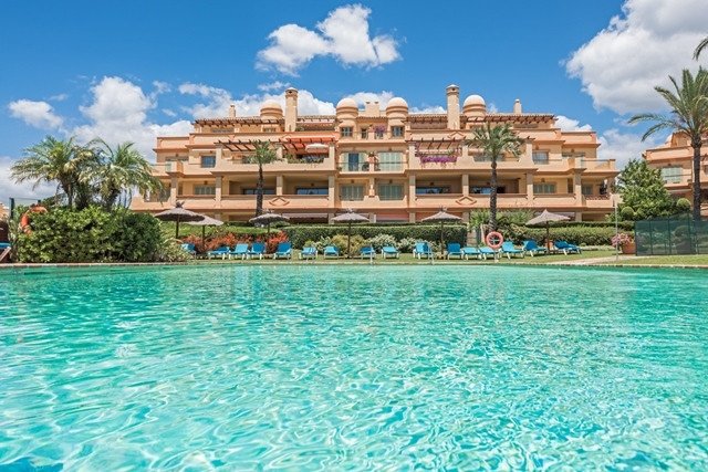 Penthouse, Los Flamingos, Costa del Sol. 3 Bedrooms, 3 Bathrooms, Built 185 m², Terrace 66 ,Spain