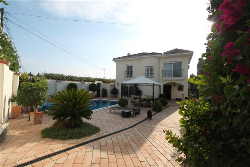 Villa situated in an established urbanization of Estepona with very easy access, just 5 minutes walk,Spain