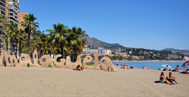 Nicely situated apartment in front of the Playa Malagueta and the infamous Antonio Martin Beach Rest,Spain