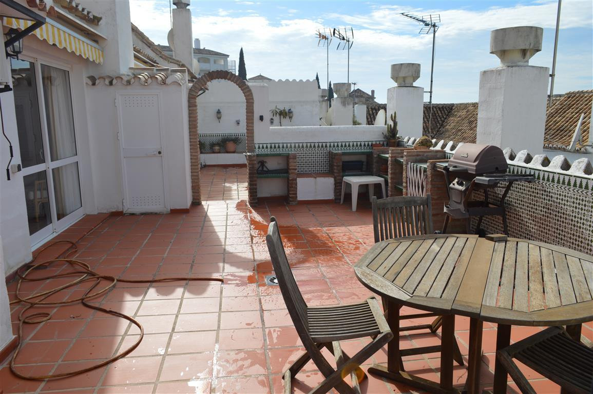 Cozy one bedroom townhouse and a bathroom and living room, with access to a private terrace of 61.70, Spain