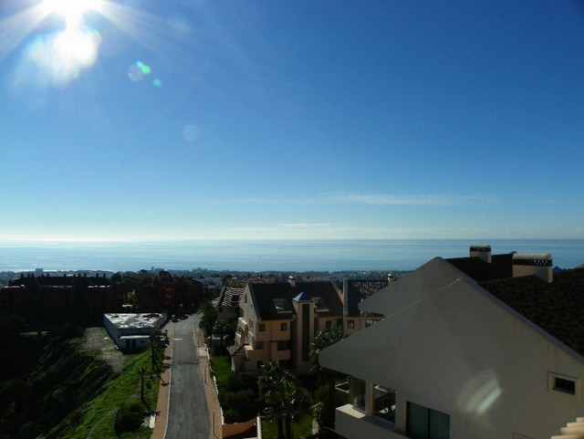 Originally listed for 329,000€ and recently reduced to 279,000€. Very spacious, south facing, duplex, Spain