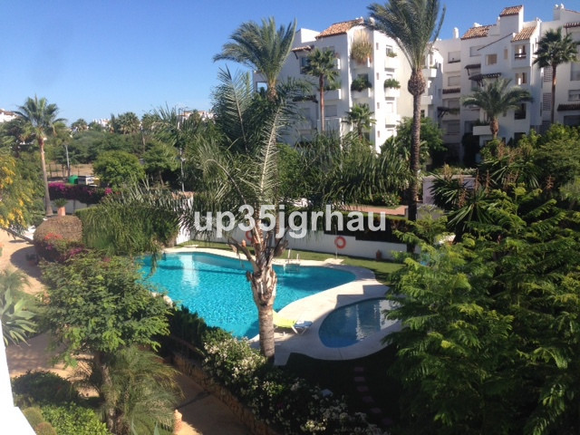 Middle Floor Apartment, Estepona, Costa del Sol. 2 Bedrooms, 2 Bathrooms, Built 110 m�, Terrace 20 m, Spain