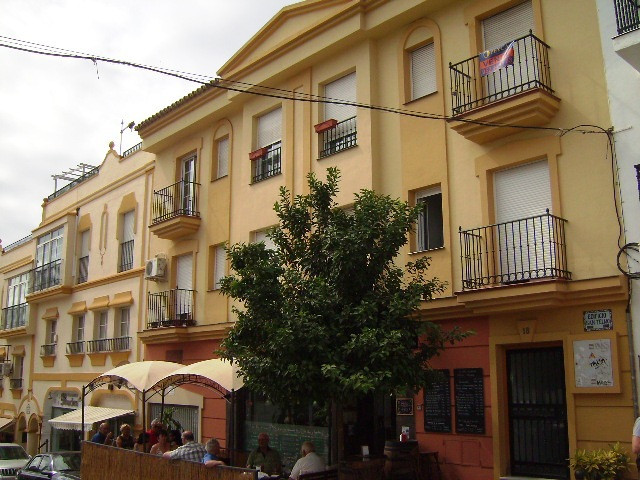 Very spacious studio apartment (nearly 40 m2), nice qualities and very good location, with all the s, Spain