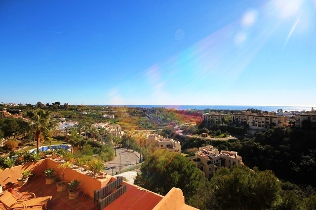 Apartment with panoramic views of the Mediterranean Sea and Gibraltar. Located on the first floor wi,Spain