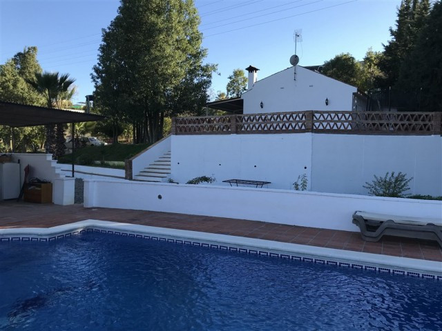 Fabulous 3 bedroom finca built on one floor that we find in one of the most sought after areas in Al, Spain