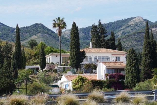 REDUCED!! Must be SEEN!! Dont miss this opportunity. This lovely villa is situaded in La Altura Brav,Spain
