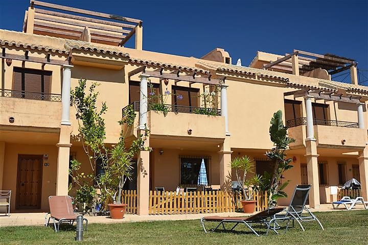 IMPRESSIVE TOWNHOUSE WITH PANORAMIC VIEWS of 232 m2 with terrace and garden, in Riviera del Sol, Mij,Spain