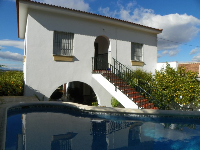 Fantastic semi-detached villa located  just outside the town of Alhaurin el Grande. The property fea,Spain