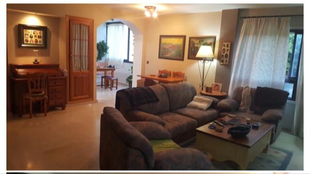 Townhouse, Estepona, Costa del Sol. 3 Bedrooms, 2 Bathrooms, Built 108 m².  Setting : Close To Port,,Spain