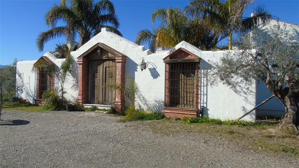 STUNNING COUNTRY HOUSE  WITH SPECTACULAR VIEWS - COIN This is a wonderful opportunity to own a stunn,Spain