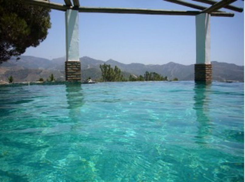 Beautiful villa with guest house in a nice area with spectacular sea and mountain views, ff kitchen,,Spain