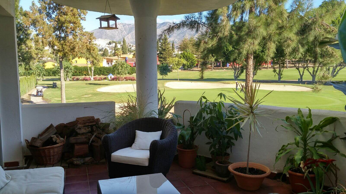 A bright and fresh apartment with beautiful views, 120 m2 built and south facing, located in Phase 5,Spain