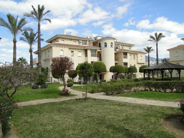 SUPER APARTMENT THAT IS SITUATED ON THE MUCH SOUGHT AFTER FASE 1 COMMUNITY OF LA CALA HILLS. SPACIOU,Spain