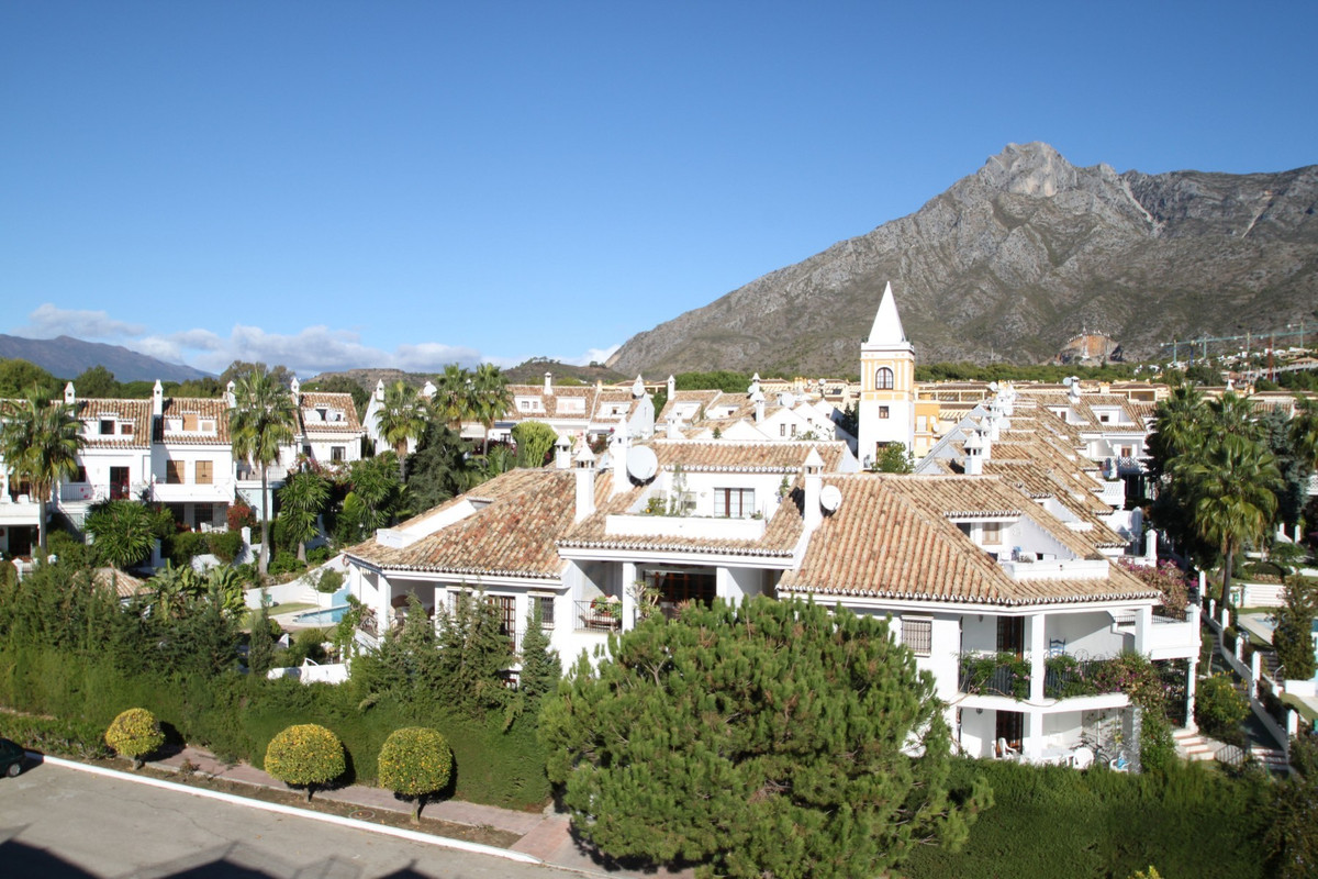 South facing fully renovated three bedroom townhouse set in the typical Andalusian Pueblo style comp,Spain