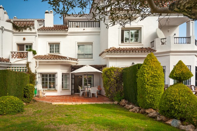 Great property located only 20 minutes from Malaga International Airport, this 2004 award winning de,Spain