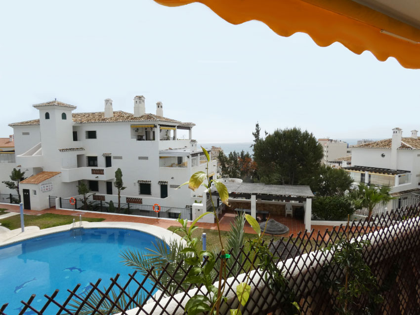 Nice two bedroom one bathroom apartment for sale in a lovely urbanisation with pool and gardens, clo, Spain