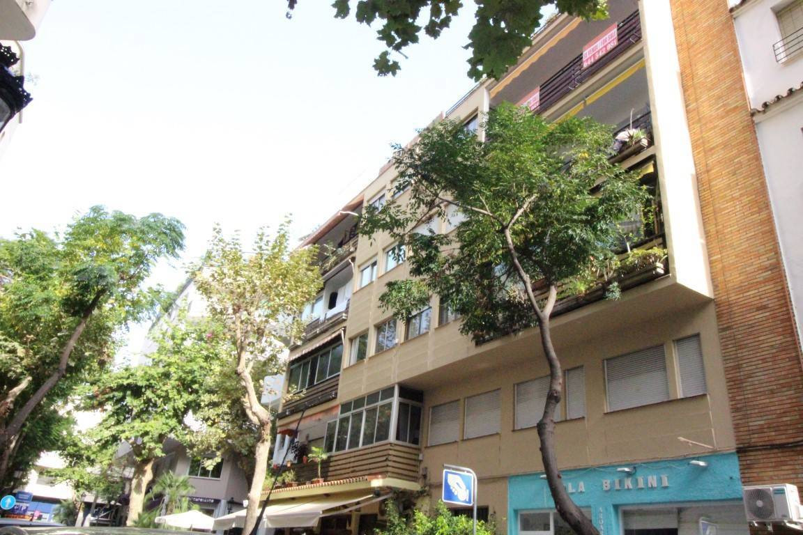Centracal apartment in Marbella Center beach side walking distance to the beach, services, shops etc, Spain
