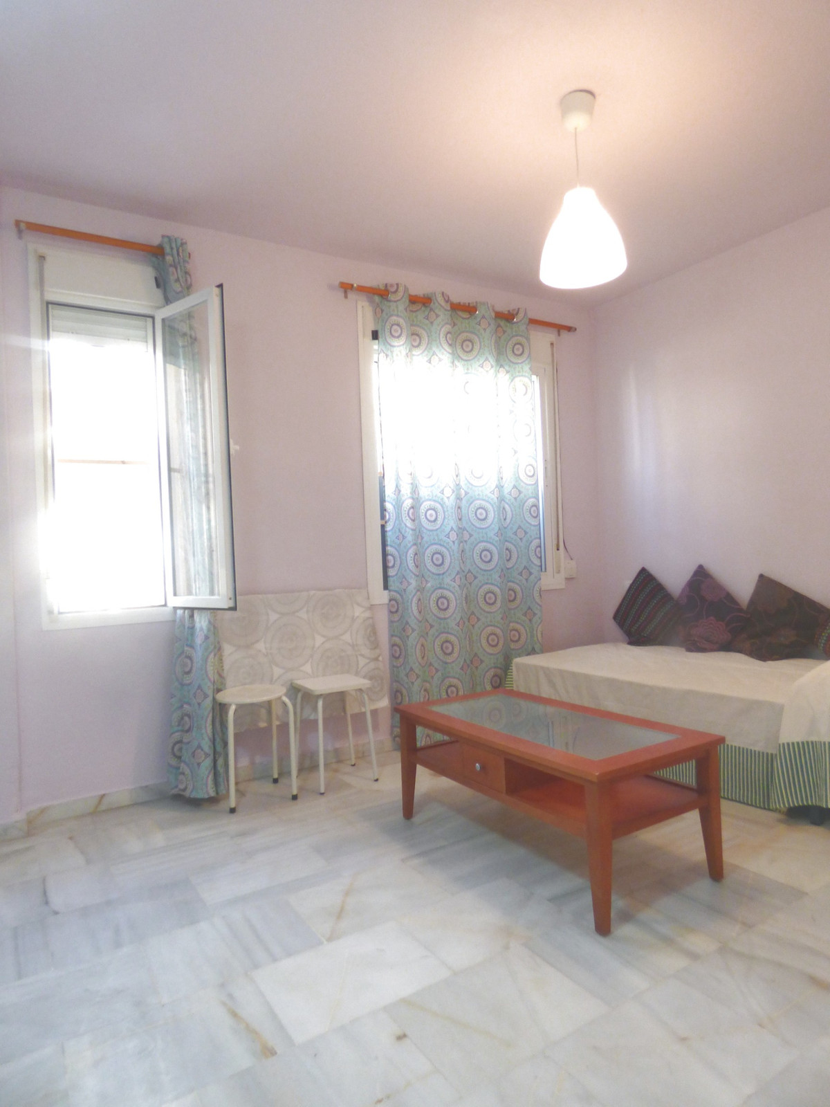 Studio for sale in Mijas, located next to the Cortes Ingles. It is a low, comfortable and flirtatiou,Spain