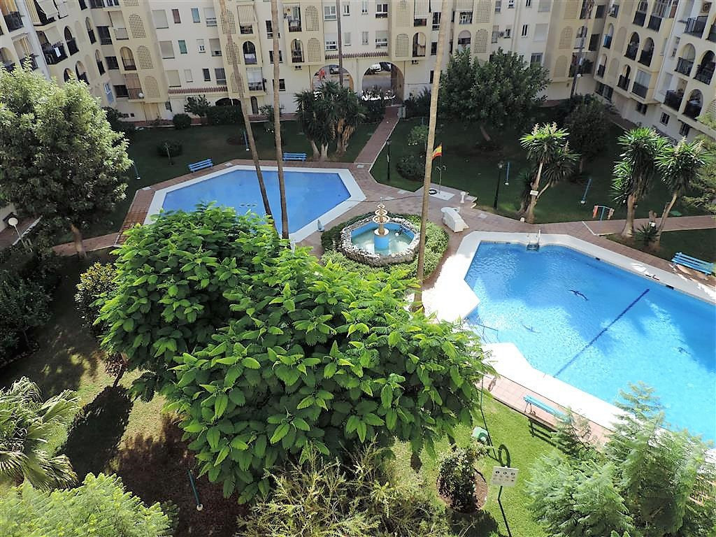 Large 3 bedroom, 2 bathroom apartment in the Centre of Fuengirola close to the port. Large south fac, Spain