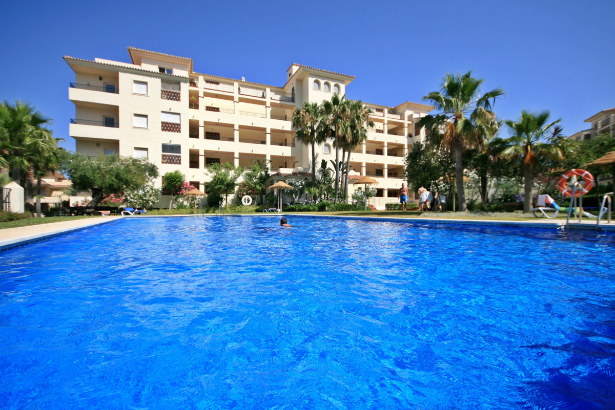 INCREDIBLY spacious, immaculate and bright apartment in the prestigious complex of La Cala Hills.  U,Spain