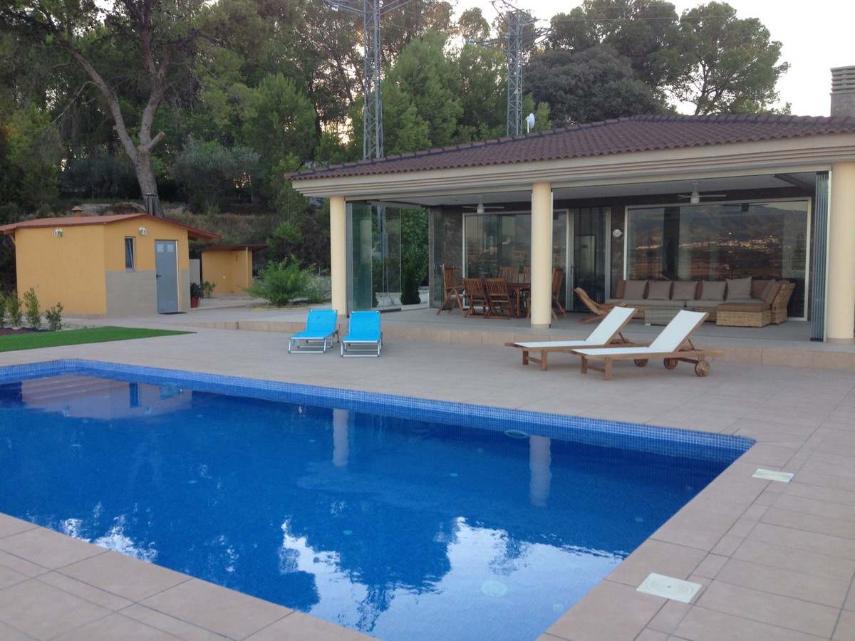 Owners Description :  A luxury villa with panoramic views, daytime and nighttime, on a fenced plot o,Spain