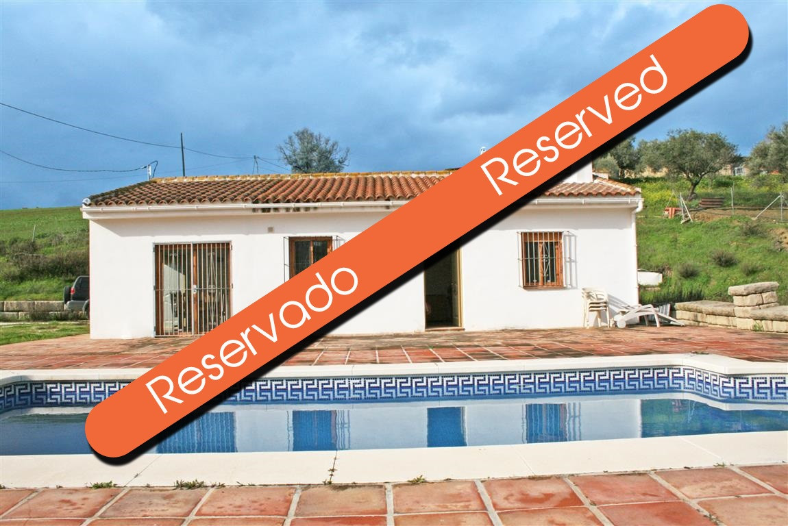 Finca in Coin, situated on a completely fenced plot, with beautiful views of the valley from the poo,Spain