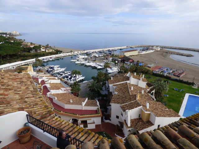 A truly fabulous location in one of the most beautiful marinas on the Costa del sol , this 4 bed pen Spain