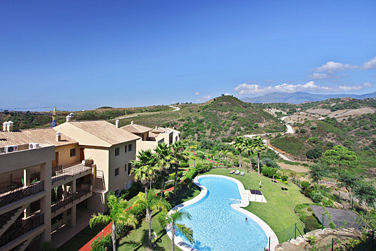 2 bedroom 2 bathroom apartment located within a private community with a 9 hole golf course, this de, Spain