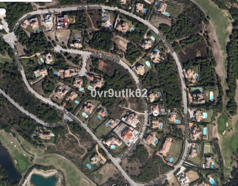 Fantastic residential plot in the prestigious G Zone in Sotogrande Alto. The plot has planning permi,Spain