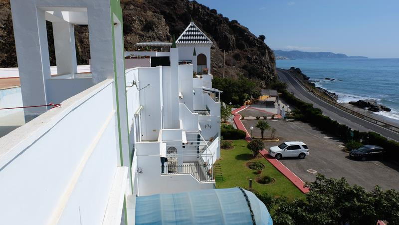 With uninterrupted views of the sea, this studio is a great buy for a holiday stay or  rental. Fully,Spain