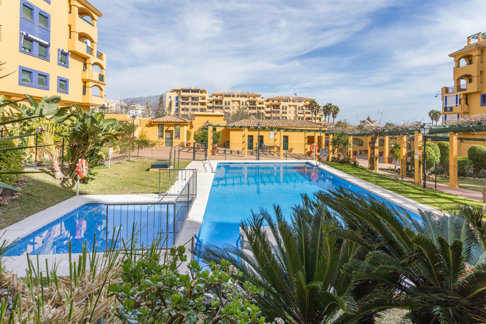 Lovely renovated apartment with sea- and mountain view. The gated complex has concierge, swimming po,Spain