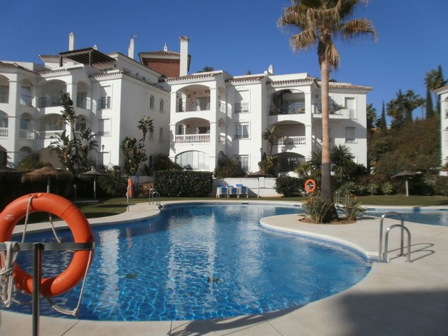 2 bed/2 bath elevated ground floor apartment on an exclusive development in Miraflores 79m2 built wi, Spain