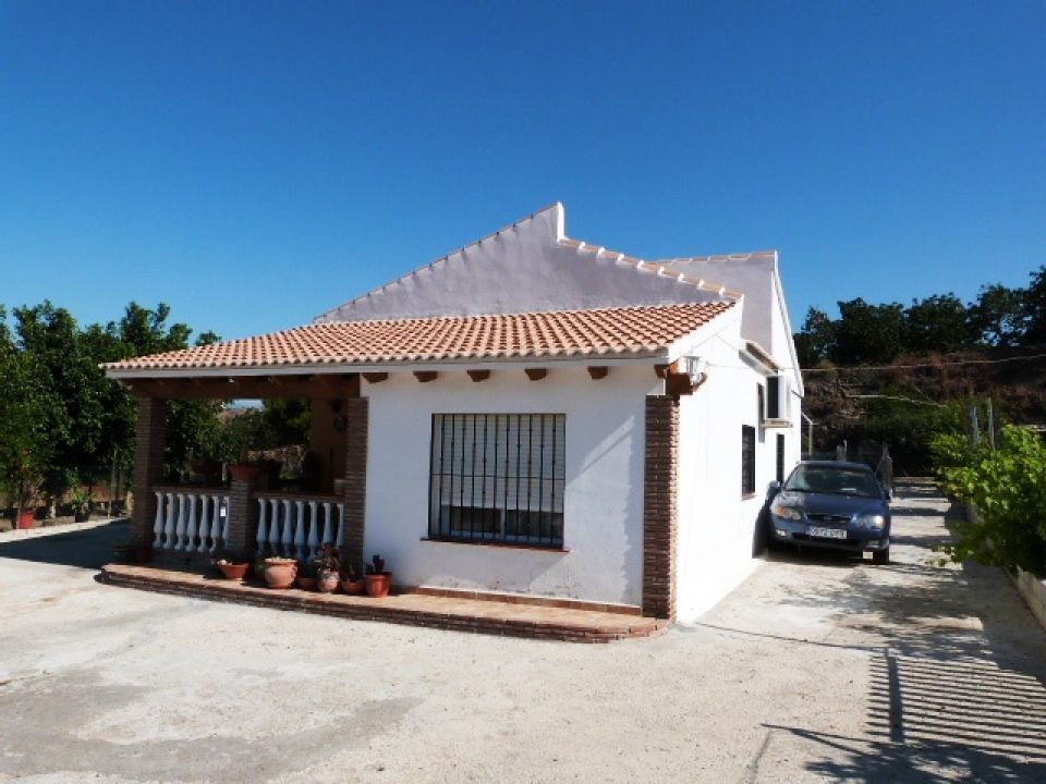 This lovely country house which is located near to the village of La Vinuela has wonderful mountain , Spain