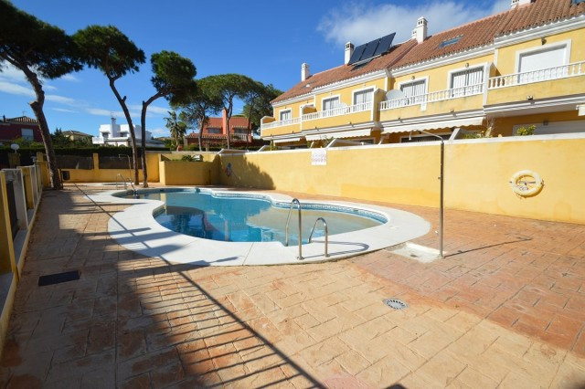 Exclusive townhouse situated in the lower part of Calahonda, near the beach and next to all amenitie,Spain