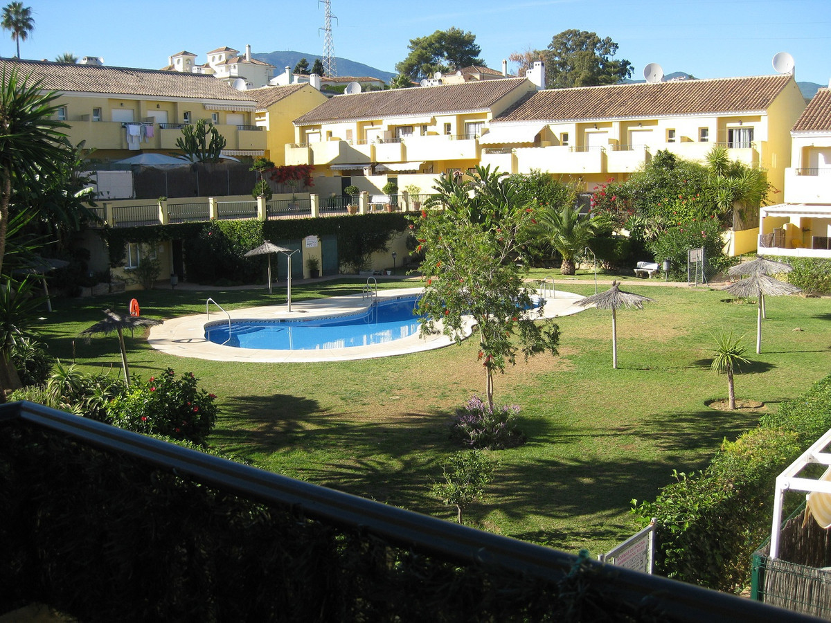 Townhouse, Estepona, Costa del Sol. 3 Bedrooms, 2 Bathrooms, Built 150 m², Terrace 20 m².  Setting :, Spain