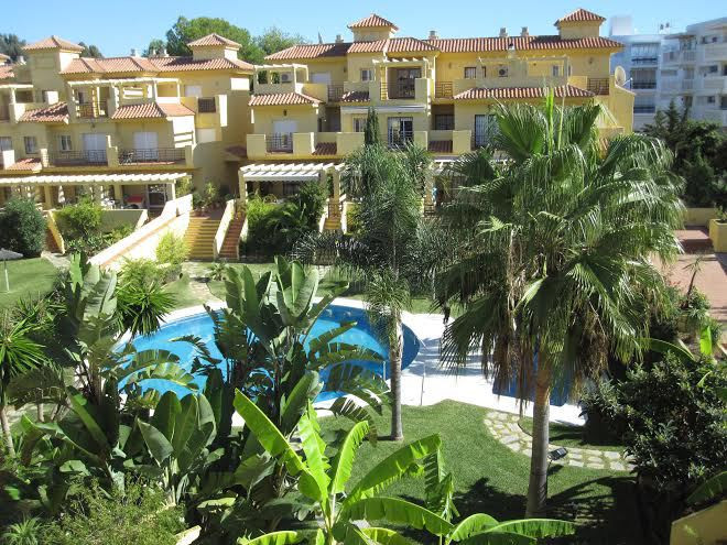 A nice towhouse is set in Estepona. This dreamy property awaits for you with the best amenities you ,Spain